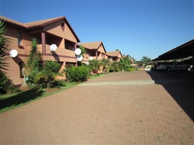Property and Houses for sale in Ekklesia, Apartment, 2 Bedrooms - ZAR 420,000
