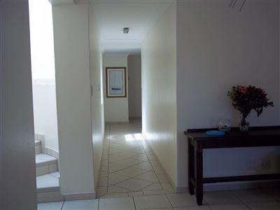 Yzerfontein property for sale. Ref No: 13436590. Picture no 4