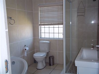 Yzerfontein property for sale. Ref No: 13436590. Picture no 16