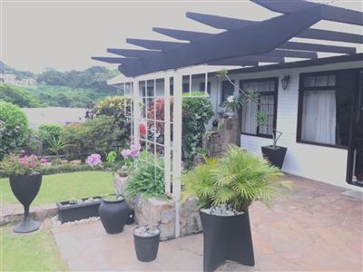 Property and Houses for sale in Port Shepstone, House, 3 Bedrooms - ZAR 2,500,000