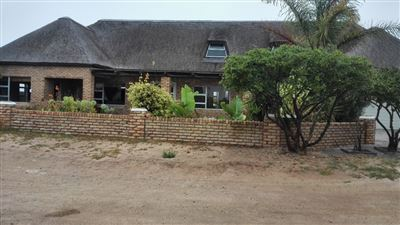 Property and Houses for sale in Britannia Bay, House, 4 Bedrooms - ZAR 2,600,000