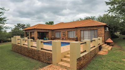 Property and Houses for sale in Pebble Rock Golf Village, House, 5 Bedrooms - ZAR 3,550,000