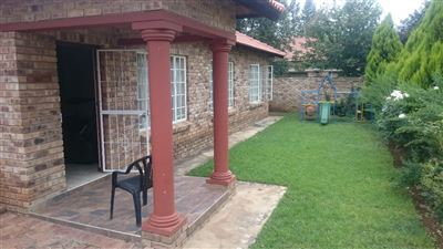 Potchefstroom, Grimbeeck Park & Ext Property    Houses For Sale Grimbeeck Park & Ext, Grimbeeck Park & Ext, House 4 bedrooms property for sale Price:1,175,240