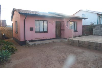 Property and Houses for sale in Soshanguve, House, 2 Bedrooms - ZAR 385,000