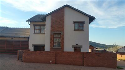 Townhouse for sale in Eldo View