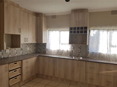 Property and Houses to rent in Free State, House, 3 Bedrooms - ZAR ,  5,00*,M