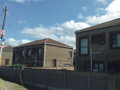 Townhouse for sale in Abbotsford, East London. South Africa.