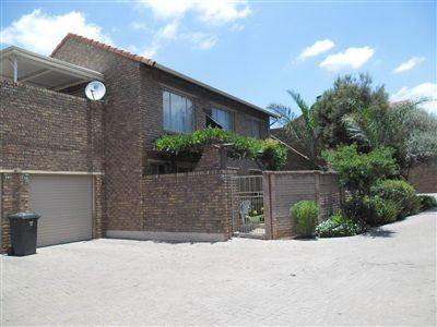 Property and Houses for sale in Willow Park Manor, Townhouse, 2 Bedrooms - ZAR 899,000