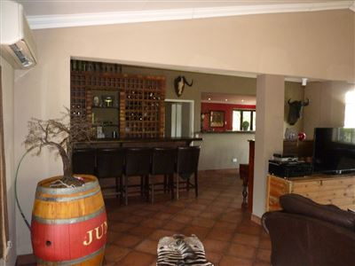 Property and Houses for sale in Leeuwfontein, House, 3 Bedrooms - ZAR 3,750,000
