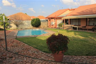 Property and Houses for sale in Welkom, House, 3 Bedrooms - ZAR 915,000