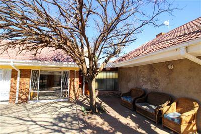 Bloemfontein, Universitas Property  | Houses For Sale Universitas, Universitas, House 9 bedrooms property for sale Price:3,700,000