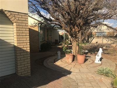 Bloemfontein, Fauna Property  | Houses For Sale Fauna, Fauna, House 4 bedrooms property for sale Price:1,265,000
