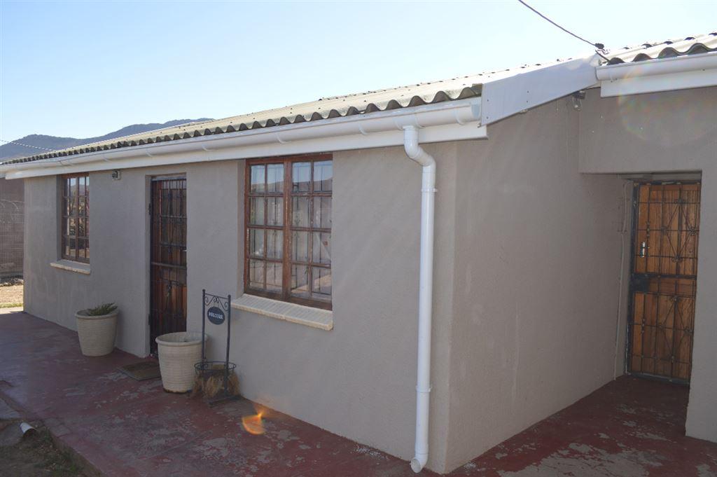 Front view and Kitchen door