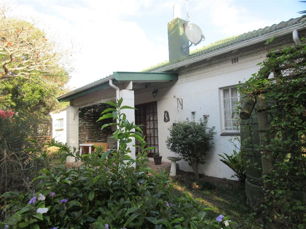Third, one bedroom cottage or can be an additional bedroom as part of the main dwelling. Private, undercover patio