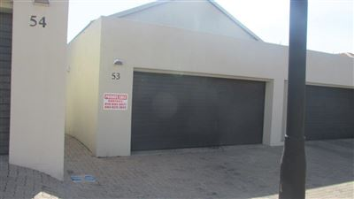 Property and Houses for sale in Die Heuwel And Ext, Townhouse, 3 Bedrooms - ZAR 980,000