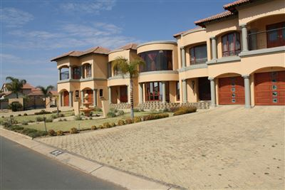 Pebble Rock Golf Village property for sale. Ref No: 13521917. Picture no 3