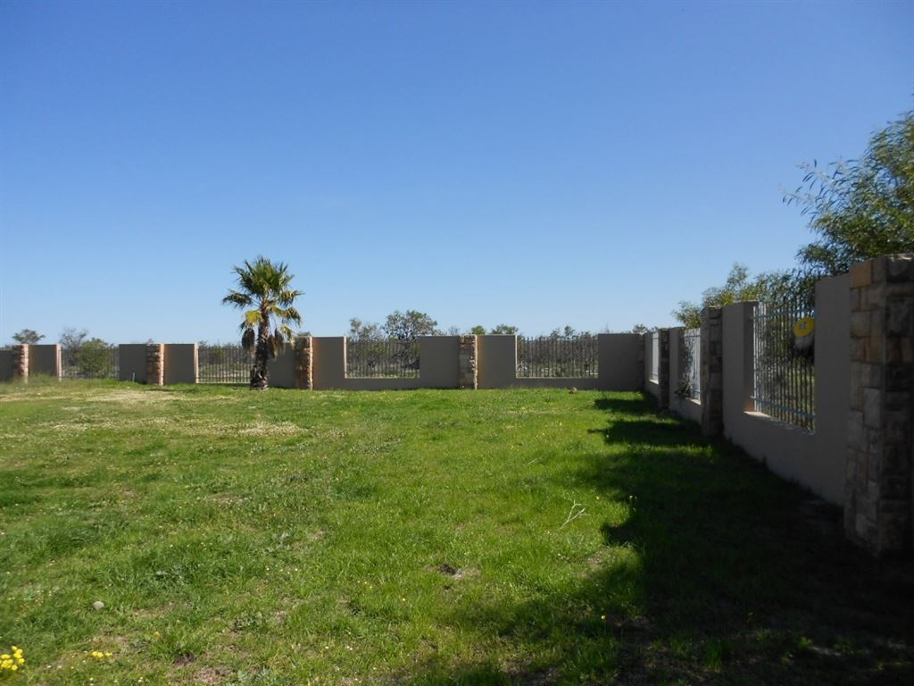 Complete building area with modern perimeter walls.