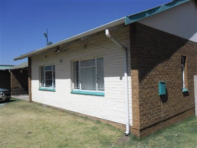 Property and Houses for sale in Witbank And Ext, House, 3 Bedrooms - ZAR 1,190,000