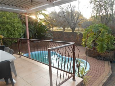 Property and Houses for sale in Model Park And Ext, House, 4 Bedrooms - ZAR 1,180,000