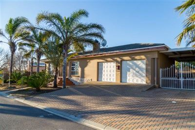 Durbanville, Sonstraal Heights Property    Houses For Sale Sonstraal Heights, Sonstraal Heights, House 4 bedrooms property for sale Price:3,695,000