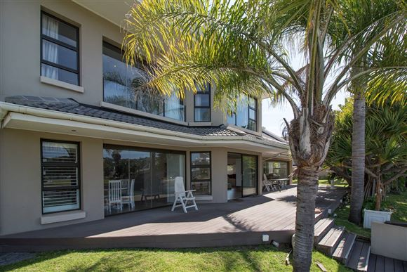 Stylish Five Bedroom Home on the Marina in Port Alfred