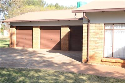 Kameeldrift East property for sale. Ref No: 13544189. Picture no 4