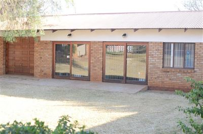 Kameeldrift East property for sale. Ref No: 13544189. Picture no 14