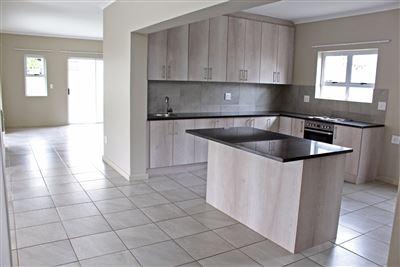 Avalon Estate property for sale. Ref No: 13538925. Picture no 1