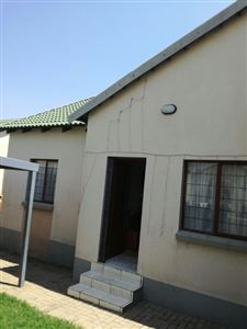 Witbank, Tasbet Park & Ext Property  | Houses For Sale Tasbet Park & Ext, Tasbet Park & Ext, Townhouse 2 bedrooms property for sale Price:760,000