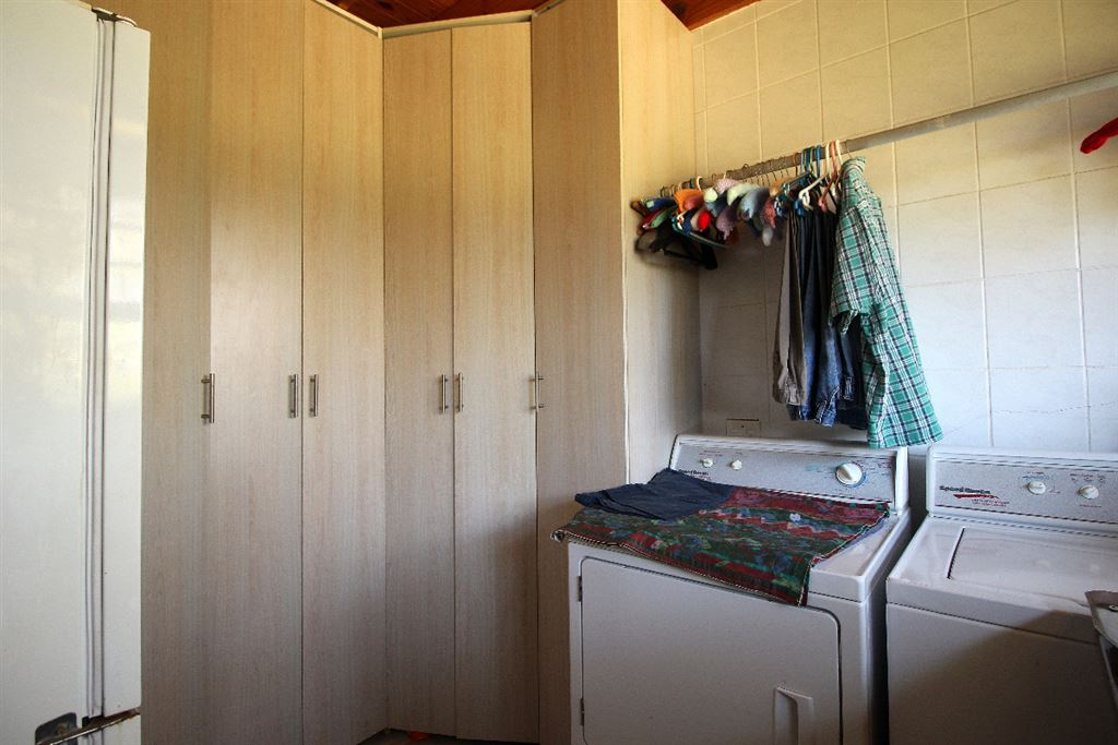 Scullery area of the lodge has lots of storage