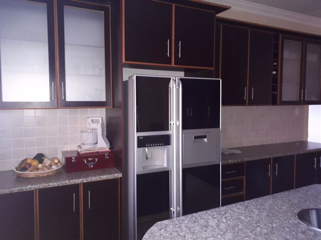 Beautiful kitchen with built in cupboards