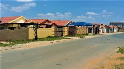 Roodepoort, Fleurhof Property  | Houses For Sale Fleurhof, Fleurhof, House 2 bedrooms property for sale Price:615,000