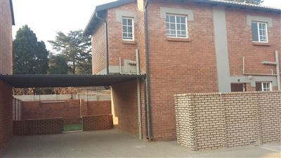 Townhouse for sale in Raslouw