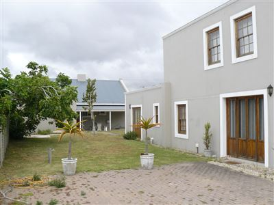 Property and Houses for sale in Stilbaai Oos, House, 4 Bedrooms - ZAR 2,890,000