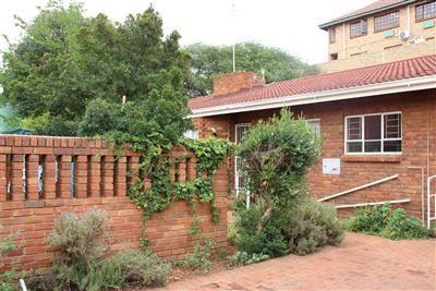 Bloemfontein, Westdene Property  | Houses For Sale Westdene, Westdene, Townhouse 2 bedrooms property for sale Price:650,000