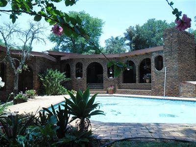 Property and Houses for sale in Meyerspark, House, 5 Bedrooms - ZAR 2,595,000