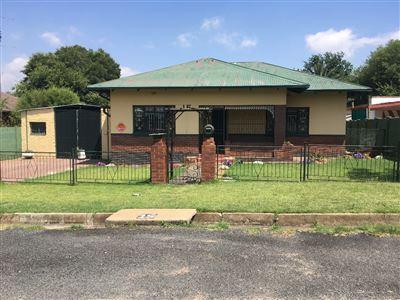Parys property for sale. Ref No: 13563541. Picture no 1