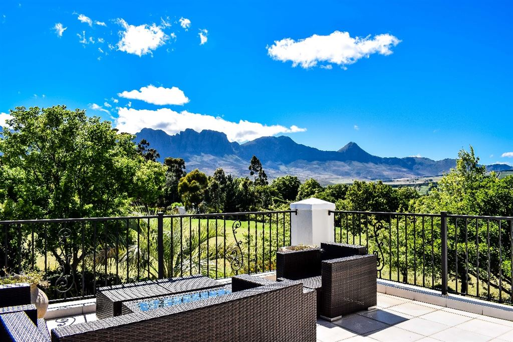 Upstairs patio with views of the mountain