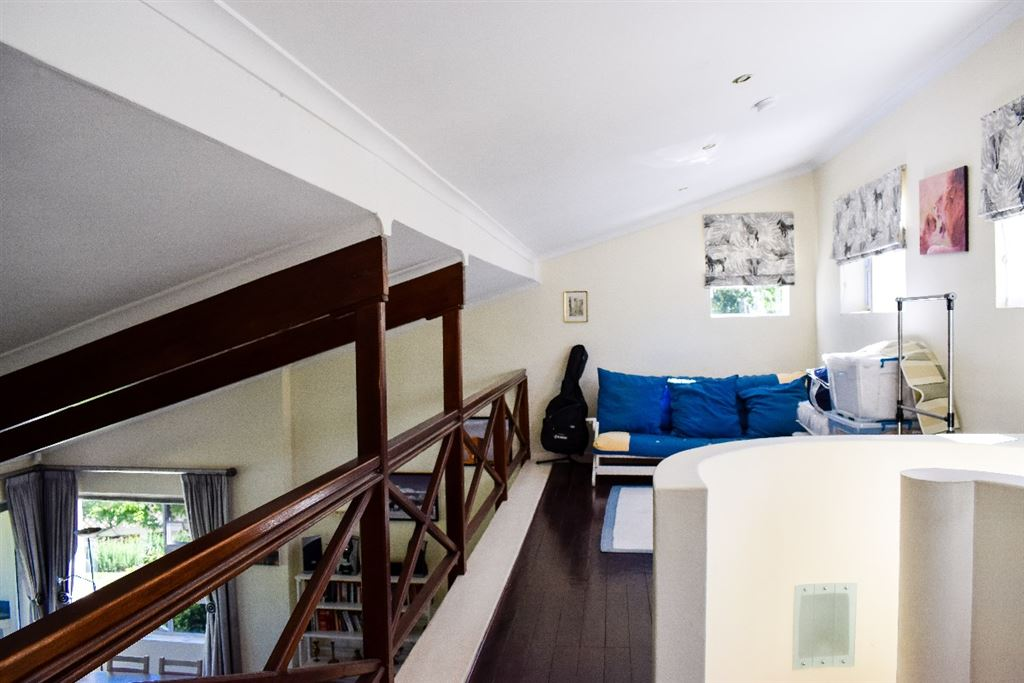 Up stairs loft area