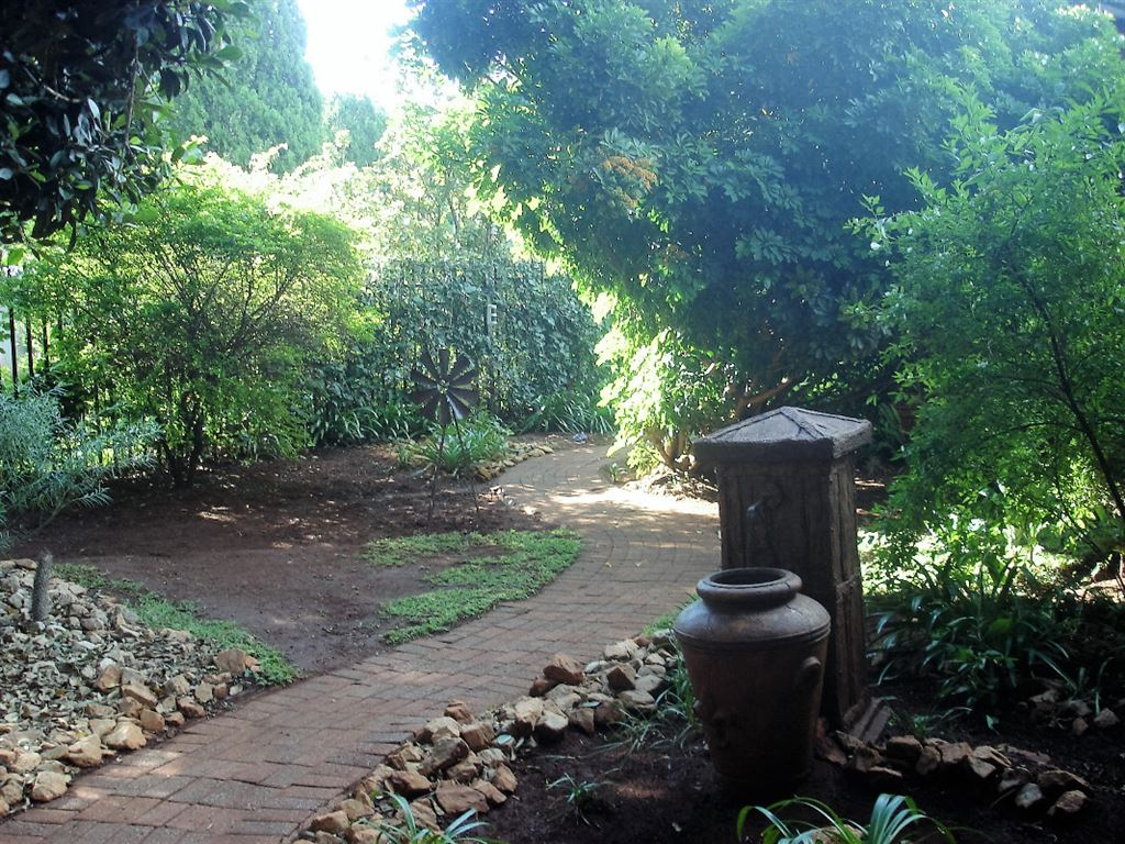 Front garden with pathway leading to the front door