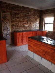 Potchefstroom Central property for sale. Ref No: 13574537. Picture no 18