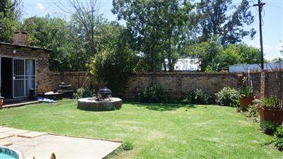 Potchefstroom Central property for sale. Ref No: 13574537. Picture no 34