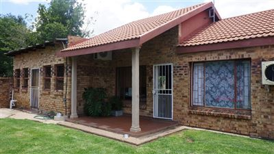 Potchefstroom Central property for sale. Ref No: 13574537. Picture no 1