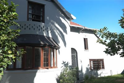 Property and Houses for sale in Rondebosch, House, 4 Bedrooms - ZAR 5,999,999