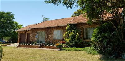 Property and Houses for sale in Derdepoort, House, 3 Bedrooms - ZAR 2,031,100
