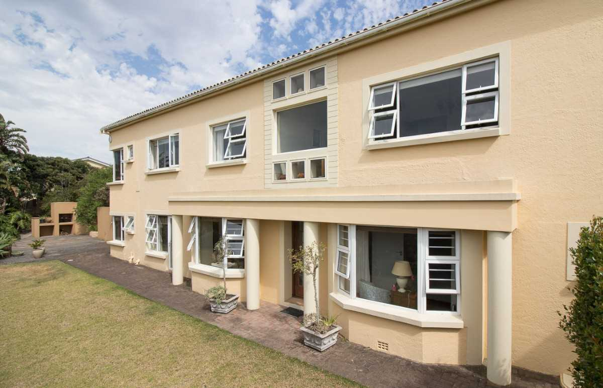 Double Storey Family Home with Flat For Sale In Port Alfred, view of the front facade.