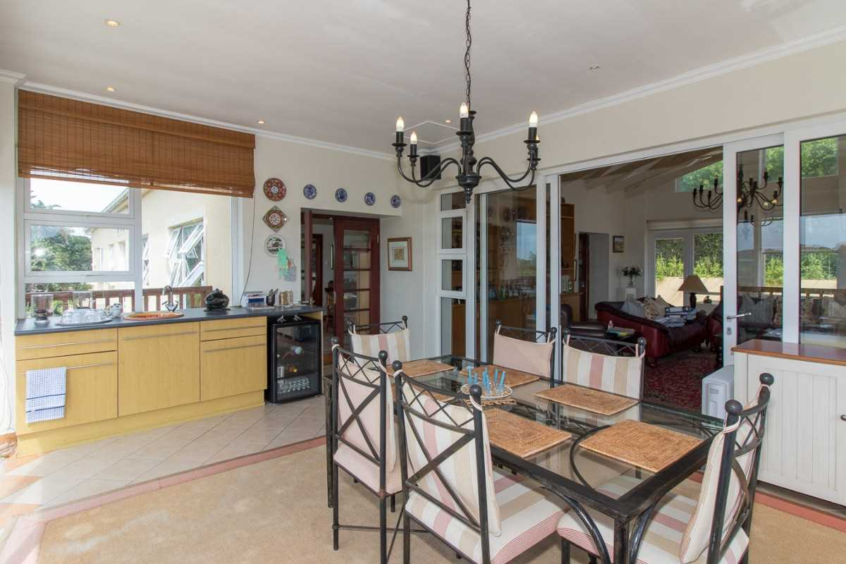 Double Storey Family Home with Flat For Sale In Port Alfred.