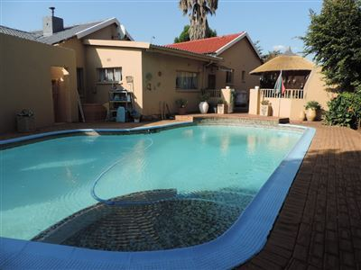 Roodepoort, Horison View Property  | Houses For Sale Horison View, Horison View, House 6 bedrooms property for sale Price:1,850,000