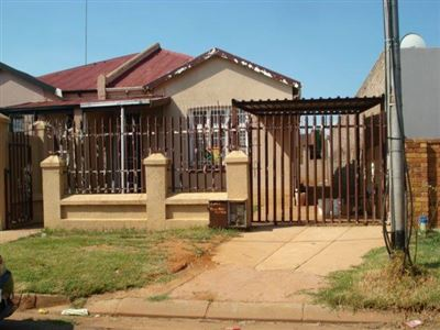 Roodepoort, Roodepoort North Property  | Houses For Sale Roodepoort North, Roodepoort North, House 3 bedrooms property for sale Price:600,000