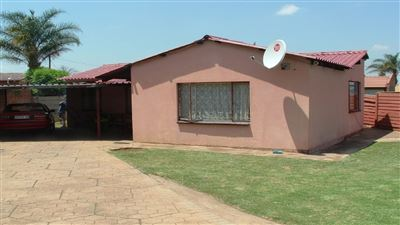Property and Houses for sale in Eersterus, House, 3 Bedrooms - ZAR 650,000